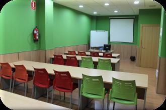 ¿Necesita un aula o sala de reuniones?